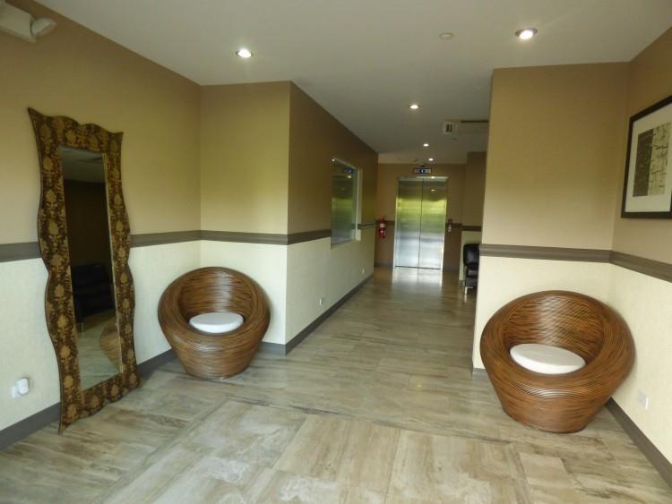 2 Bed Condominium For Rent in Pembroke Parish